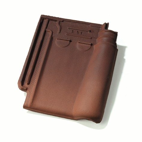 Single product shot of a Stormpan 993 Amarant roof tile